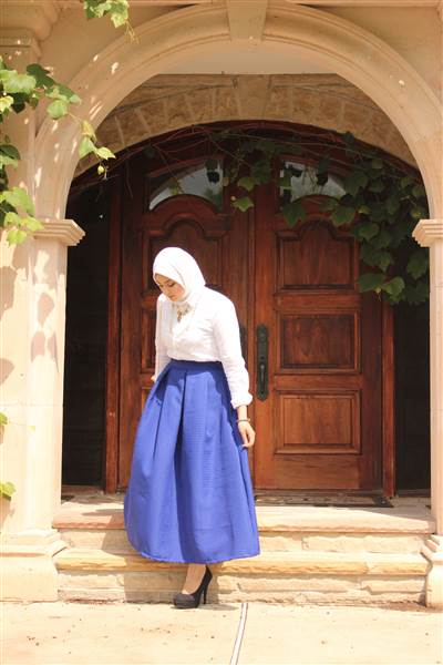 Hijab wearing teen wins best-dressed in high school